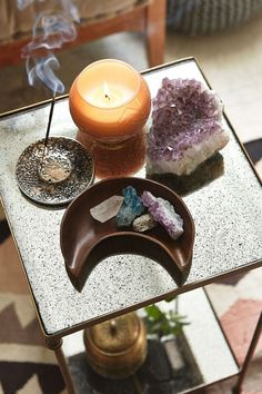 That incense holder and moon plate. Such a beautiful altar! Deco Zen, Mirrored Side Tables, Zen Room, Meditation Space, Meditation Corner, Meditation Altar, Daily Meditation, Crystal Decor, Crystal Altar
