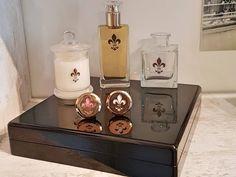 Possibilité de créer son propre parfum et flacon avec le travail du verre. Bath Caddy, Flasks, Drinkware, Switzerland