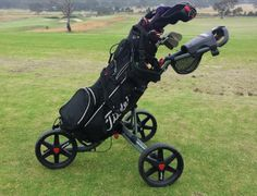 Learn here how to put your golf bag on a push cart in 5 easy steps. And know some facts about golf push carts that you probably don't know.