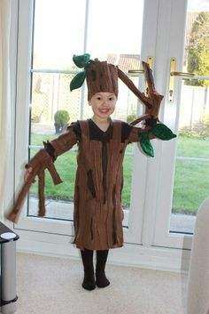 100 of the best World Book Day costume ideas - Looking for inspiration for World Book Day costumes? Then you've come to the right place. Diy Girls Costumes, Book Costumes, Book Character Costumes, World Book Day Costumes, Teacher Costumes, Book Week Costume, Costume Ideas, Tree Halloween Costume, Tree Costume