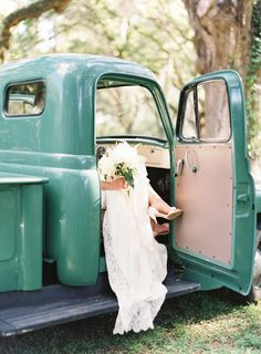 vintage green truck | Landon Jacob #wedding