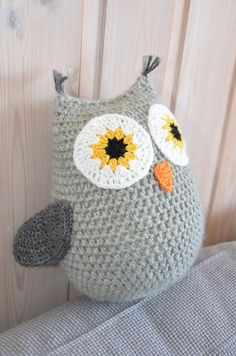 crocheted amigurumi owl