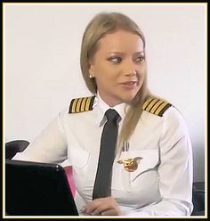 Pilot. Pilot Uniform, Airline Reservations, Female Pilot, White Shirts Women, Beautiful Asian Girls, Beautiful Ladies, Good Looking Women, Fighter Pilot, Cabin Crew