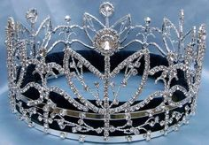 Victory Majestic Rhinestone Full Silver King Queen Crown A wonderful royal, commanding Unisex crown fit for an emperor, king or queen Created with a look of imperial elegance, the crown features gleam