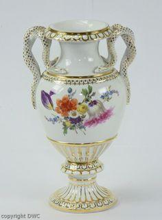 Schlangenhenkelvase Vase Porzellan Marke Meissen I. Wahl Goldrand Blumen H.22 cm