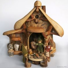 Looking at her little gnome houses just sets my imagination into work.