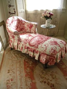 Decorating with Color, Pink and White Upholstery, Colorful Home Decor, Toile Fabric, Skirted Chaise Lounge French Country Cottage, French Country Style, Red Cottage, Rustic French, Shabby Cottage, Country Furniture, French Furniture, Timber Furniture, Furniture Vintage