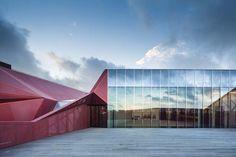 *프랑스, 자연과 어울리는 기하학적 문화센터-[ périphériques architectes ] cultural center in beaumont-hague :: 5osA: [오사]