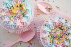 Cotton candy icecream cups. Too pretty!