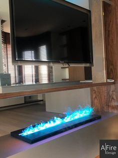 A real alternative to traditional fireplaces, steam fireplace inserts have incomparable advantages. But how does a water vapor electric fireplace work? Fireplace Set, Ethanol Fireplace, Fireplace Inserts, Modern Fireplace, Fireplace Design, Traditional Fireplace, Electric Fireplace, Home Automation, Hearth