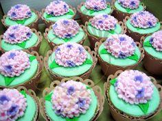 Caketutes Cake Designer: Cupcakes Hortênsia - Hydrangea Cupcakes