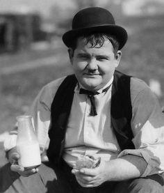 Enjoy your lunch...       Оливер Харди