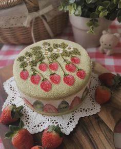 Pretty Birthday Cakes, Pretty Cakes, Frog Cakes, Cute Baking, Cute Desserts, Just Cakes, Cafe Food, Aesthetic Food, Food Cravings