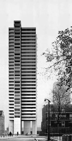 This tower in London is big, it's brutalist, but it could be a model for how we can build cheaper and greener housing is part of architecture - There really is nothing to it but bathrooms and a kitchen; the rest is up to you Green Architecture, Architecture Drawings, Architecture Design, Building Architecture, Classical Architecture, Luigi Snozzi, High Rise Apartments, Tower Block, High Rise Building