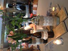 centros de mesa con arpillera y puntilla