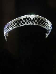 Reinterpretation of the Chaumet stalactite diadem, created in 1904 for the Marquis of Lubersac. Biennale des Antiquaires