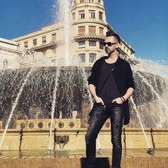 #genua #siwyja #oldboy #maninblack #polishboy #italy #genova #sky #portofgenova #oldtown #italy #luguria #love #loveitaly #holiday #adventure #piazzadeferrari #boy #oldboy #black #jeans #trainers #fountain #gold #jewelry #menjewelry Old Town, Black Men, Fountain, Gold Jewelry, Trainers, Italy, Sky, Adventure, Jeans