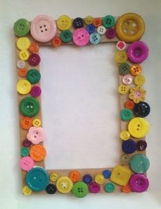 Items similar to Cork Photo Frame on Etsy Felt Crafts, Crafts To Make, Crafts For Kids, Paper Crafts, Button Frames, Button Art, Frame Crafts, Diy Frame, Valentines Day Decorations