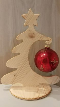 Christmas Wood Crafts, Christmas Items, Homemade Christmas, New Years Decorations, Christmas Decorations, Christmas Ornaments, Holiday Decor, Scrap Wood Crafts, Paper Crafts