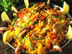 Paella La Comida – Lunch The midday meal, la comida as it is called in Spain is the largest meal of the day. Description from pinterest.com. I searched for this on bing.com/images