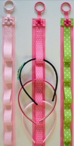 Cute head band holder. Wanna make these for my cousins.