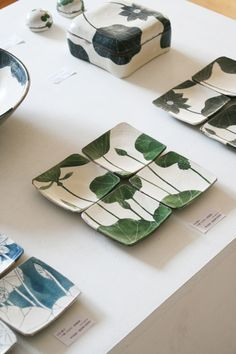 Otani Pottery Studio-continuous pattern or image grouping Pottery Plates, Slab Pottery, Ceramic Pottery, Pottery Art, Ceramic Tableware, Ceramic Clay, Porcelain Ceramics, Pottery Painting, Ceramic Painting