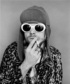 Kurt smokes