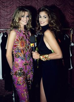 Claudia Schiffer and Cindy Crawford both in Atelier Versace by Gianni Versace early Claudia Schiffer, Cindy Crawford, Gianni Versace, Atelier Versace, Versace Versace, Versace Fashion, Fashion Models, Fashion Show, Fashion Trends