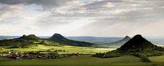The České středohoří, Central Bohemian Uplands, Czech Republic. Mountain Range, Czech Republic, Nature Photos, Prague, Beautiful Landscapes, Land Scape, Magick, Portal, Golf Courses