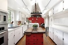 Kitchen ideas white cabinets red walls red kitchen walls with white cabinets red kitchen walls with . Red Kitchen Walls, Two Tone Kitchen Cabinets, Red And White Kitchen, Wood Floor Kitchen, Kitchen Cabinet Design, Kitchen Colors, White Cabinets, Rustic Kitchen Island, Kitchen Pictures
