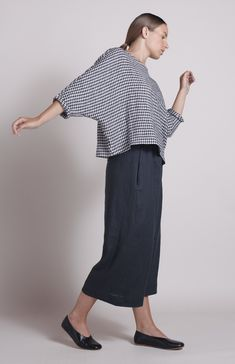 This classic batwing top from our Simple wear collection has made it . Batwing Top, Capsule Outfits, Simple Designs, Gingham, Plus Size Fashion, Black Tops, Look, Bell Sleeve Top, Normcore