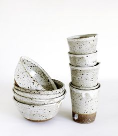 Handcrafted ceramics by Andrew Davidoff. Photo - Clare Plueckhahn. / Kitchen <3