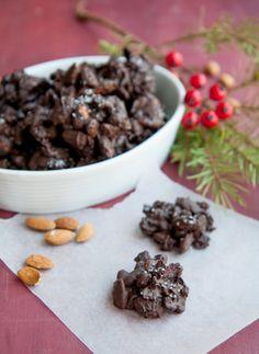 Chocoladerotsjes van amandelen en blauwe bessen ♥ Foodness - good food, top products, great health