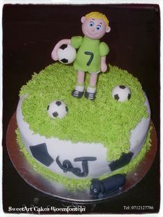 Soccer Cake For more info & orders, email sweetartbfn@gmail.com or call 0712127786 Frosting, Icing, Soccer Cake, R80, Edible Cake, Cupcake Toppers, Preserves, Fondant, Balls