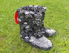 Medium Slip-on Synthetic Wellington Boots Girls' Shoes Wellington Boot, Kids Fashion Boy, Skull And Crossbones, Kids Boys, Girls Shoes, Rubber Rain Boots, Cowboy Boots, Black And Grey