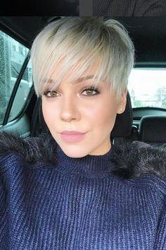 32 Top Short Pixie Haircuts Ideas for Women 2018 / 2019 - Styles Art Natural Hair Haircuts, Pixie Haircut For Thick Hair, Short Pixie Haircuts, Short Hair Updo, Short Wedding Hair, Pixie Hairstyles, Straight Hairstyles, Short Hair Styles Easy, Natural Hair Styles