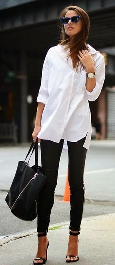 White shirt with black jeans, so timelessly classic and effortlessly chic.