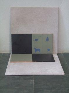 Composición azulejos azul claro y metalizado mate