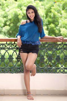 Priya Shri Photoshoot Stills Malayalam Actress, Tamil Actress, Pakistani Movies, Actress Priya, Yellow Saree, Photoshoot Pics, South Indian Actress, Hot Pants, Indian Girls