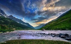 Shounter Valley by XeeShan Ch on 500px