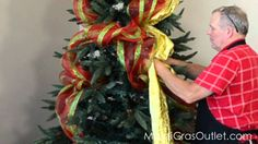 How to add deco mesh to a Christmas tree.