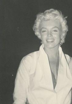 Marilyn Monroe wears a black cape in October 1955 Head Shot PUBLICITY PHOTO