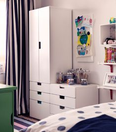 I want that storage system, I like the different levels and the use of the lower piece as a surface.