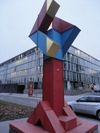 This is an abstract sculture called 'Stadtzeichen 1969/74' by Otto Herbert Hajak which is located at the Theodor-Heuss-Straße in Stuttgart, Germany, Baden-Württemberg.