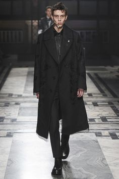 Alexander McQueen | Осень-зима 2016/2017 | Alexander McQueen | Подиум | Мода | Мужской журнал GQ