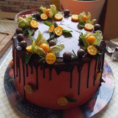 Торт «Тёмный Ларри» — новое открытие шокоголика Знакомьтесь, это «Тёмный Ларри», торт открытие для всех шокоголиков планеты. Пропорции и составляющие теста дают нам неприлично липкие коржи, которые настолько пористы, что не весят ничего, при этом потрясающе мягкие и сочные. Сильный шоколадный вкус положит на лопатки даже нашумевший «Торт на раз-два-три», а это серьёзная заявка, согласны? Настоящая...