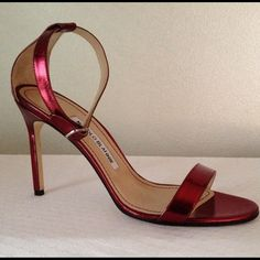 Manolo Blahnik Chaos ankle strap size 8.5 Red metallic patent leather. Hand made in Italy Manolo Blahnik Shoes
