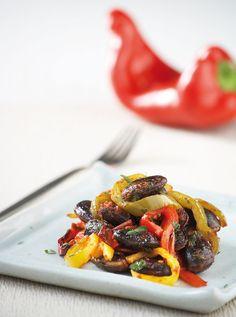 Μια εντυπωσιακή παραλλαγή ενός παραδοσιακού πιάτου με πολλά χρώματα και πικάντικη νοστιμιά. Κι αν δεν βρίσκετε μαύρα φασόλια, φτιάξτε αυτό το πιάτο με γίγαντες. #φασόλια Greek Recipes, Plant Based Recipes, Clean Eating, Food Porn, Sweet Home, Food And Drink, Favorite Recipes, Lunch, Beef