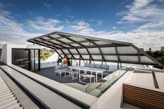 Diseño de terraza con techo policarbonato