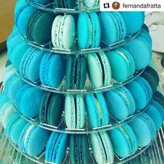 Tudo azul para um evento corporativo ! #maymacarons #torredemacarons  #Repost @fernandafratta  Paixão chamada macarrons! #blue  #macarrons #ilovemacarrons #maymacarrons #thebest #colors